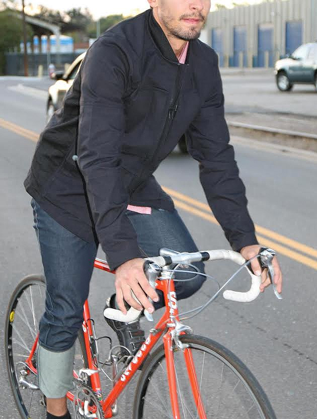 lakeshore_Jacket_Upright_Cyclist_2
